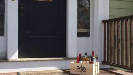 Drizly is a smartphone app for fast, convenient alcohol delivery. The company today announced expansion into the city of Chicago, in addition to its service in NYC, Brooklyn and Boston. (PRNewsFoto/Drizly)