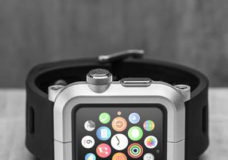 LUNATIK'S EPIK Apple Watch Kit Now Available