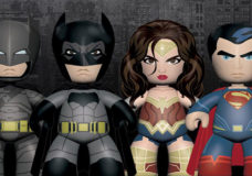 Mezco Prezents Mez-Itz Dawn of Justice. Image Courtesy: Mezco Toyz.