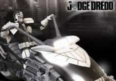 One:12 Collective: Limited Edition Judge Dredd With Lawmaster Limited Edition Black and White Variant.