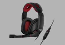 (GSP 350 microphone and detachable cable for PC): For seamless team communication during gaming, the GSP 350 offers a broadcast quality noise-cancelling microphone. Additionally, the headset comes supplied with a detachable cable for PC.